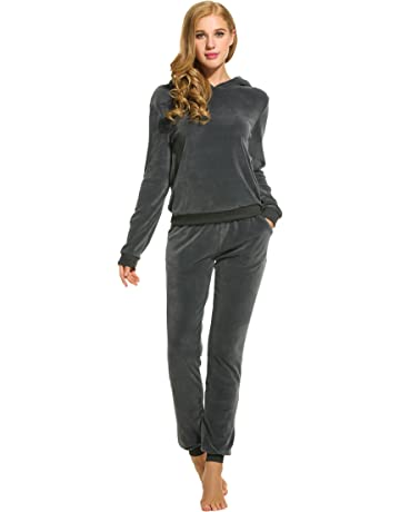 6da696d864a Hotouch Women s Solid Velour Sweatsuit Set Hoodie and Pants Sport Suits  Tracksuits