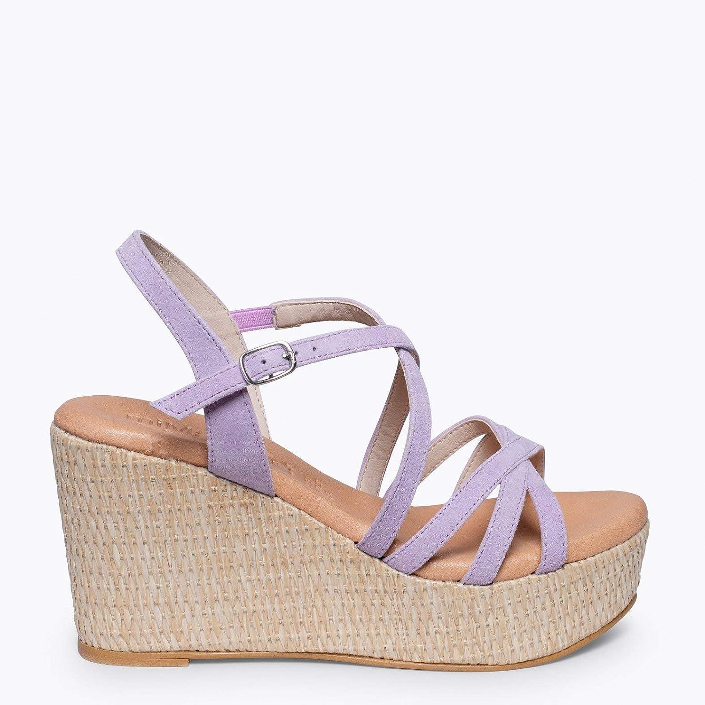 miMaO Chaussures. Sandales en Cuir Made in Spain. Confort. Sandales Compensées Plateforme en Raphia et Bandes Croisées. Sandales Confortables Lavande