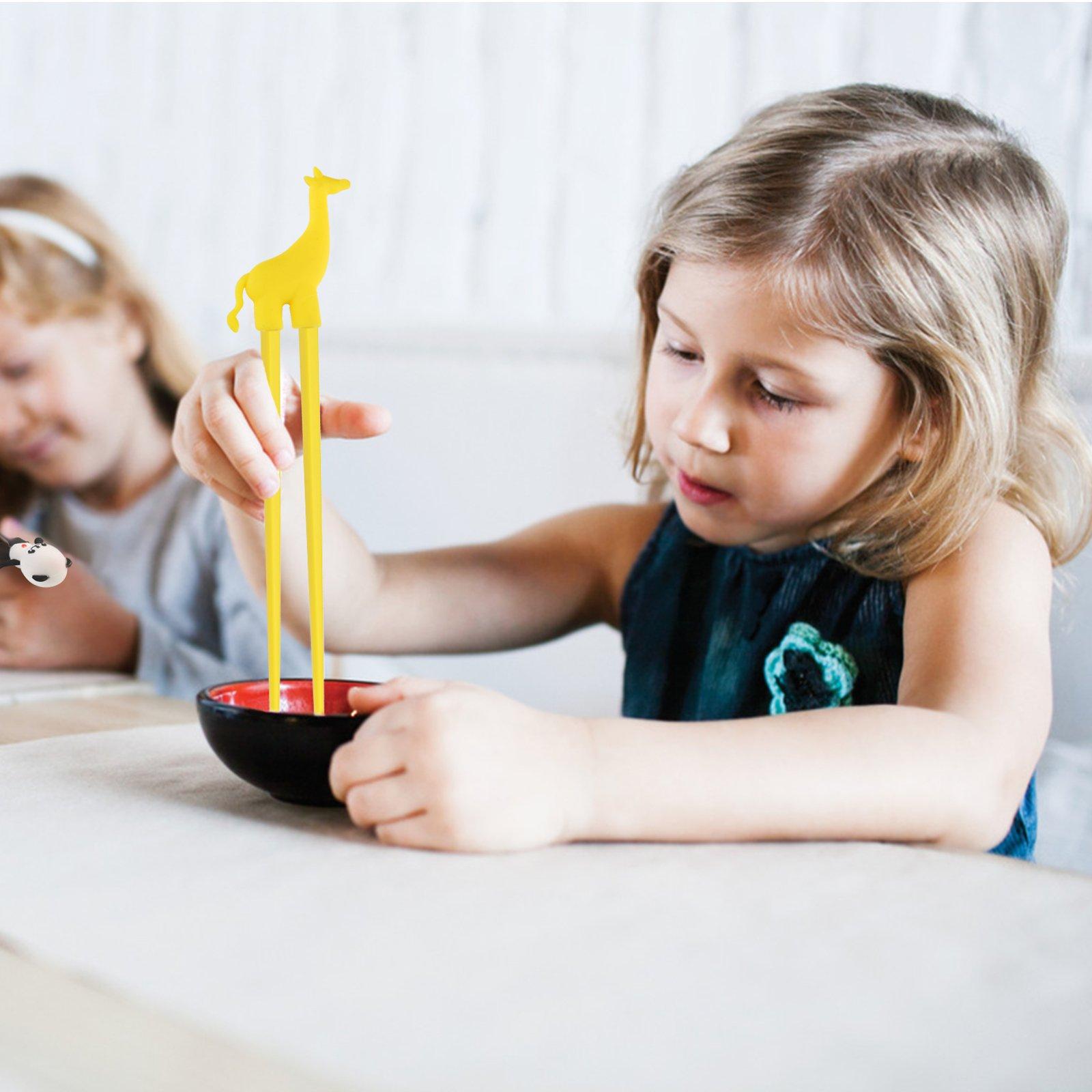 LANMOK Training Chopsticks for Children Adults,4 Pairs Children\'s Chopsticks Multi Animal Style Design Learning Chopstick Set for Kids Child Beginners Right or Left Handed Reusable Fun Helper