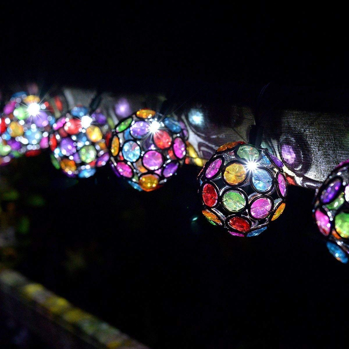 Yaoqiaoji Smart Solar String Lights 10 Multi Glow Gems White LED
