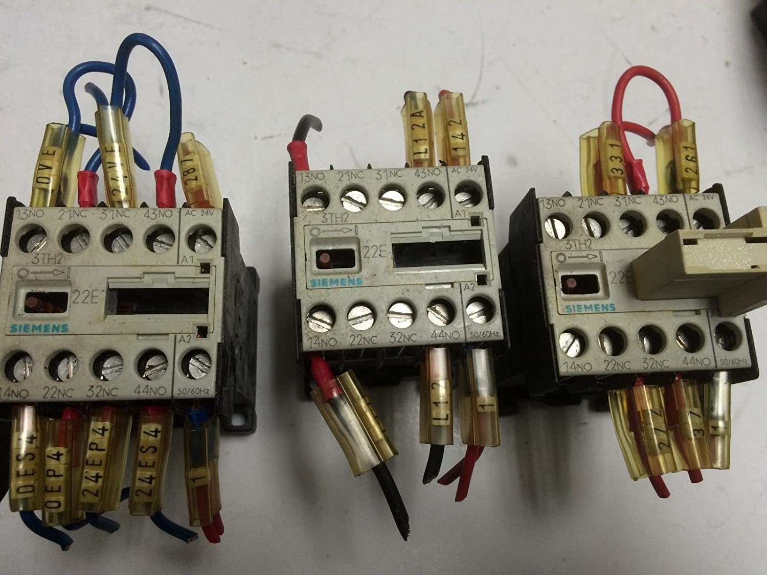 33 3TH2022-OAC2 3TH2,22E USED LOT OF 3 SIEMENS CONTACTOR 3TH2022-0AC2