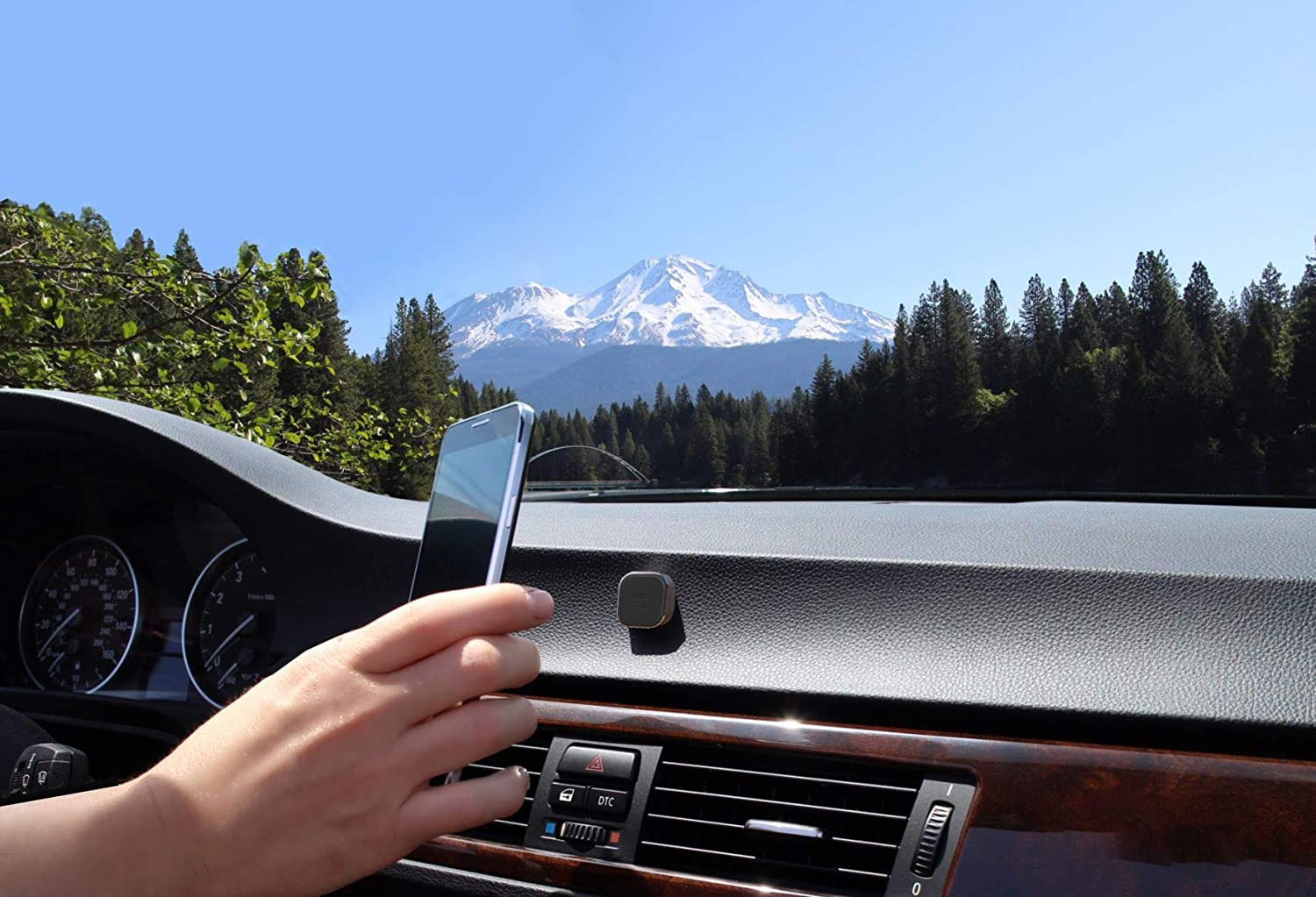 Neutron Black Universal Magnetic Phone and Tablet Mount