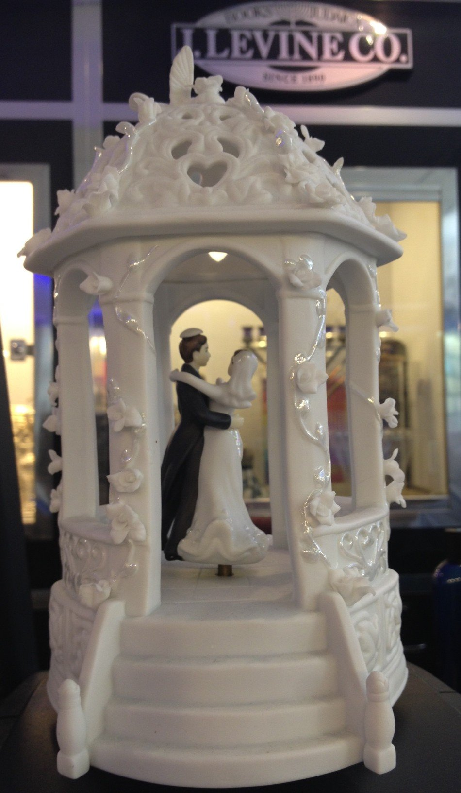 Love is in the Air - The Perfect Jewish Wedding Accessory- Dancing Bride & Groom (with Kippah/Yarlmulka) Twirl In Musical Wind up Gazebo