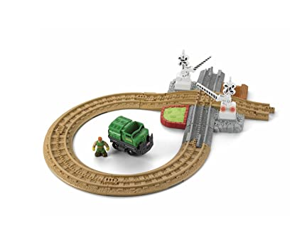 Amazon Com Fisher Price Geo Trax Crossing Gate Toys Games