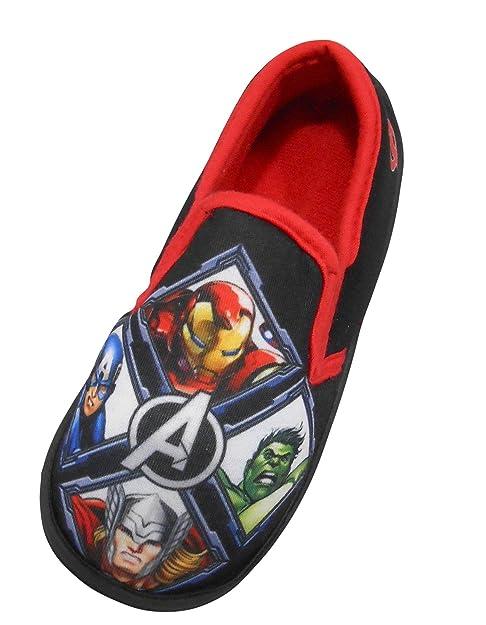 86c9b9613f4e Marvel Avengers A Boys Slippers Size 3   EU 36 Black Red  Amazon.co ...
