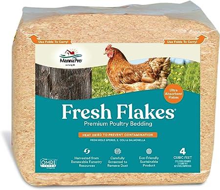 Manna Pro Fresh Flakes | Chicken Coop Bedding | Pine Shavings for Chicken Bedding | 3.5 Cubic Feet