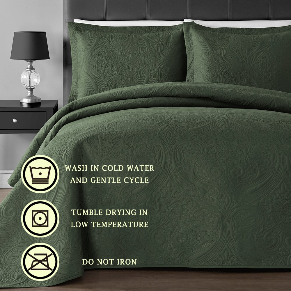 Comfy Bedding Extra Lightweight and Oversized Thermal Pressing Floral 3-Piece Coverlet Set (King/Cal King, Sage) by Comfy Bedding (Image #4)