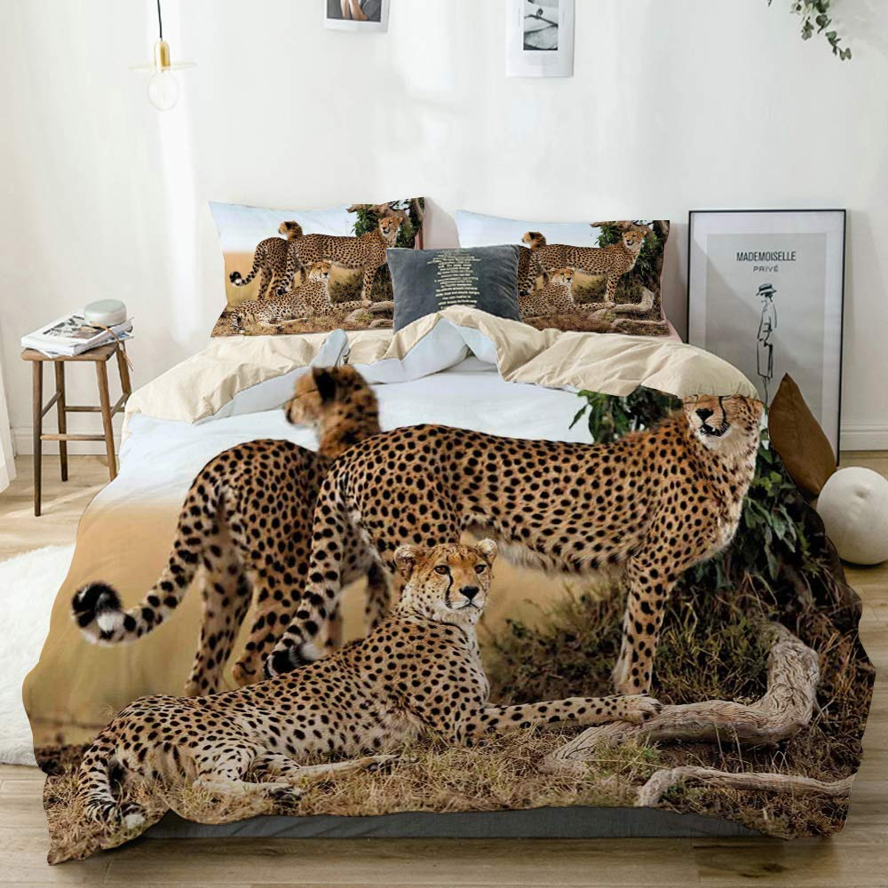 Minalo Duvet Cover Set Beige,Cheetahs Mother and Two Young Baby Looking for Food Dangerous Exotic Animals,Decorative 3 Piece Bedding Set with 2 Pillow Shams King Size