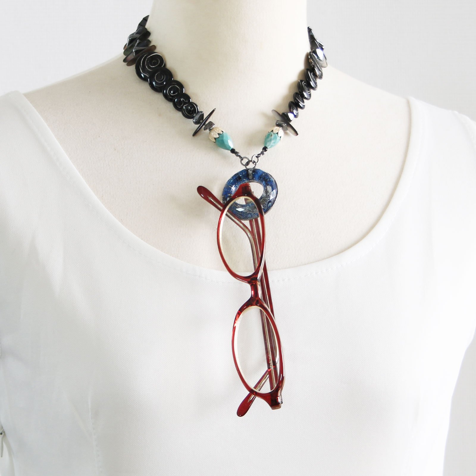 Tamarusan Eyeglass Holder Natural Stone Coral Turquoise Shell Onyx by TAMARUSAN (Image #5)
