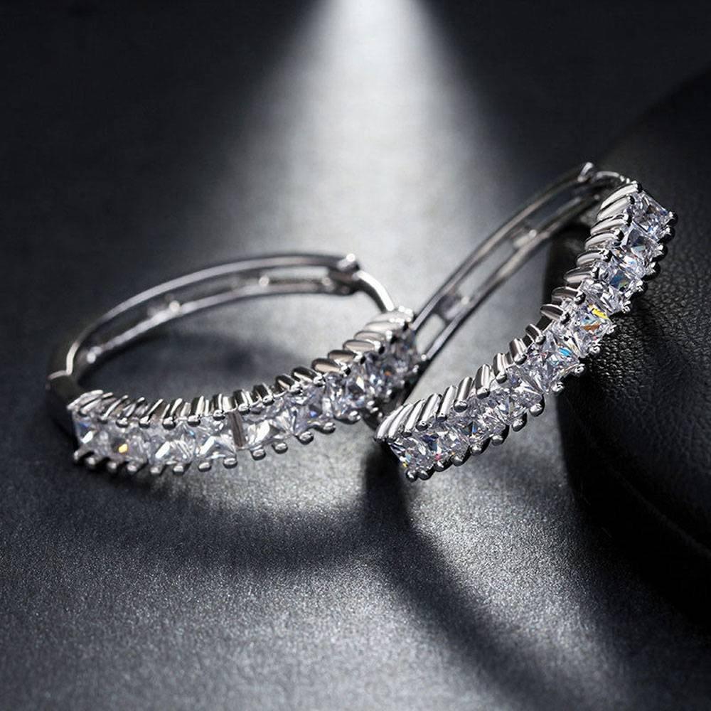 Dividiamonds 18k White Gold-Plated Princess-Cut Cubic Zirconia Hoop Earrings For Womens /& Girls
