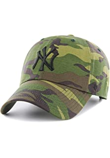 413c3f020a7 Amazon.com   47 Los Angeles Dodgers Brand Unwashed Camo Clean Up ...
