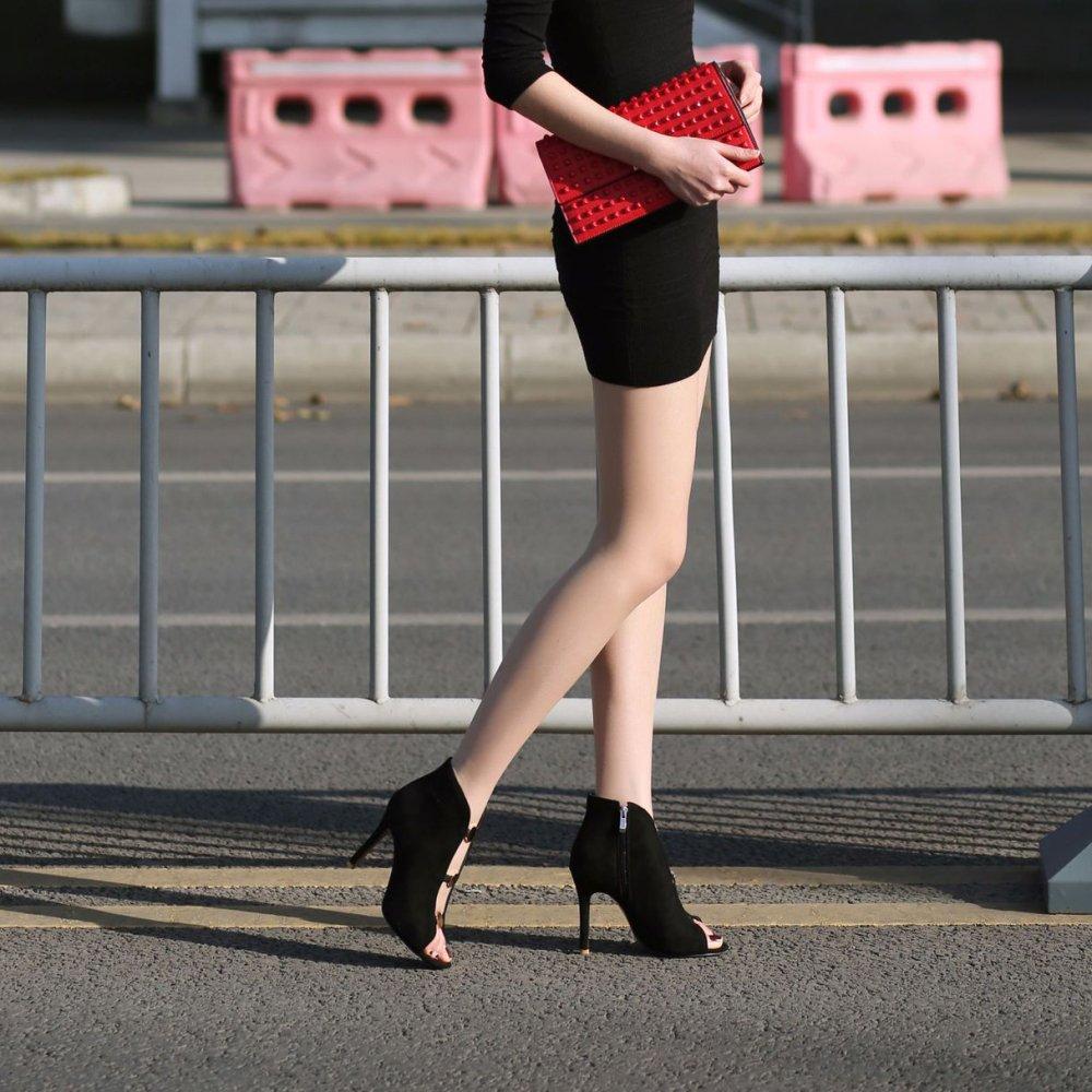 Frauen Peep Hochzeit Toe High Heels Mit Stiletto Slip-On Satin Hochzeit Peep Brautschuhe schwarz 30d819