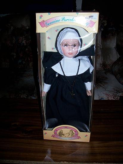 Amazon.com: Monja muñeca 16