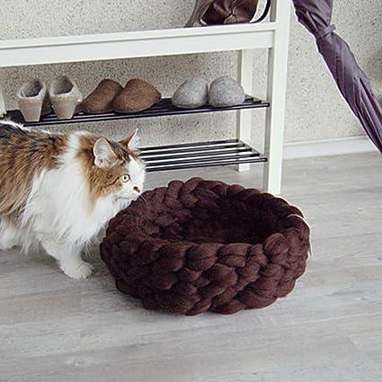 6db827314e4e Amazon.com : Super Chunky Knit Cat Bed, Pet Bed, Chunky Cat House ...