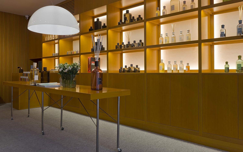 Durata: 40h Made in Italy al cassis Candela profumata stile Classic da 270 gr Culti Milano Fragranza ESPERIDE mandarino e pompelmo