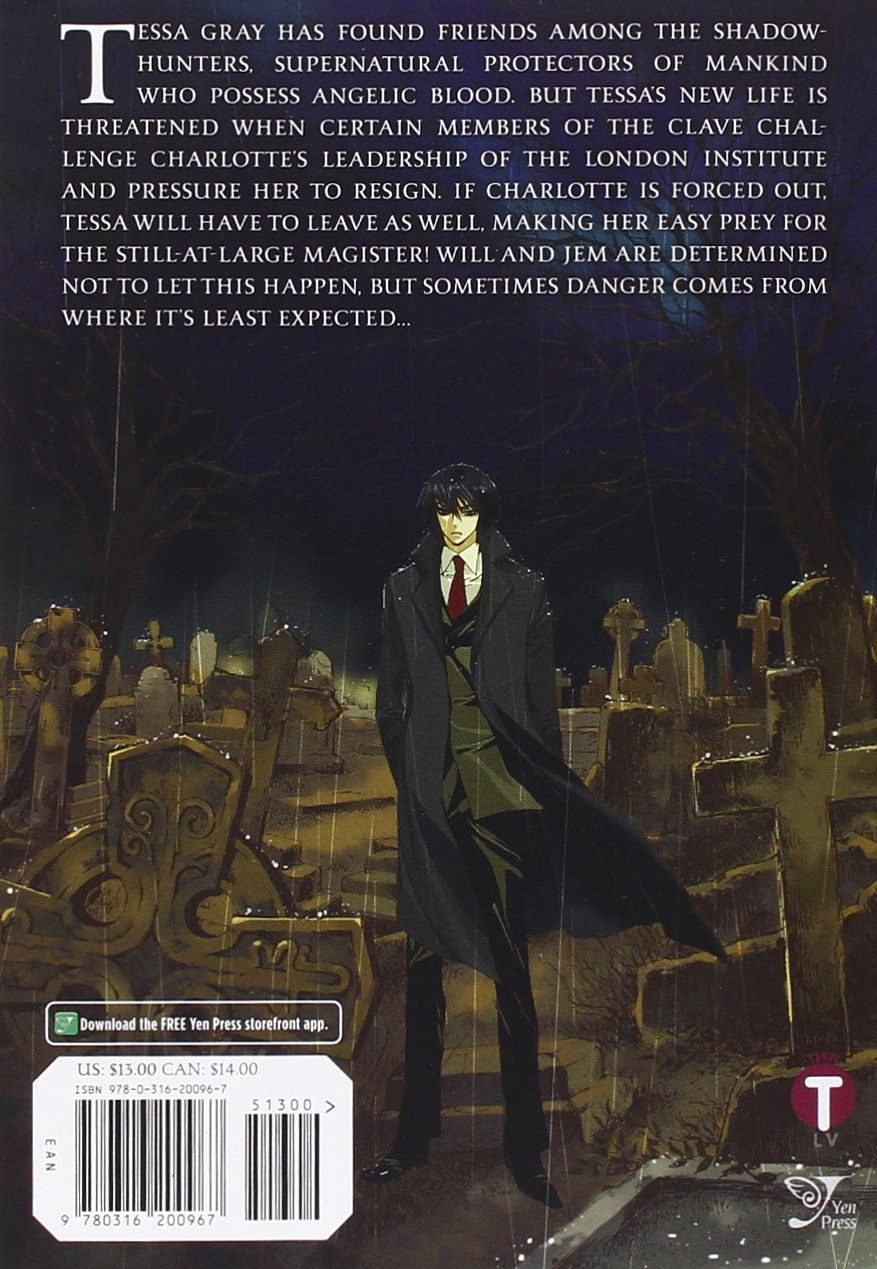 The Infernal Devices: Clockwork Prince: Cassandra Clare, Hyekyung Baek:  9780316200967: Amazon: Books