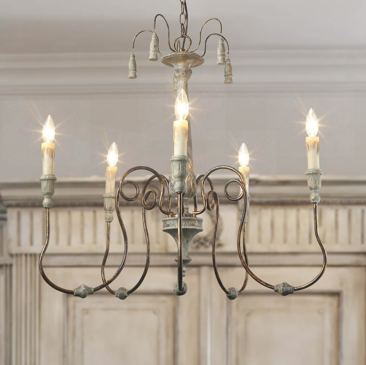 French country Laluz chandelier