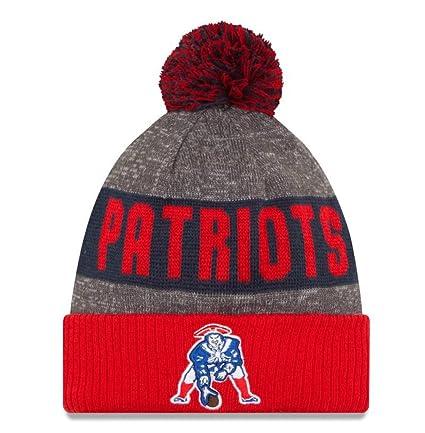 Amazon.com   New England Patriots Throwback Logo Sideline Knit Pom ... a5db3b84c0a