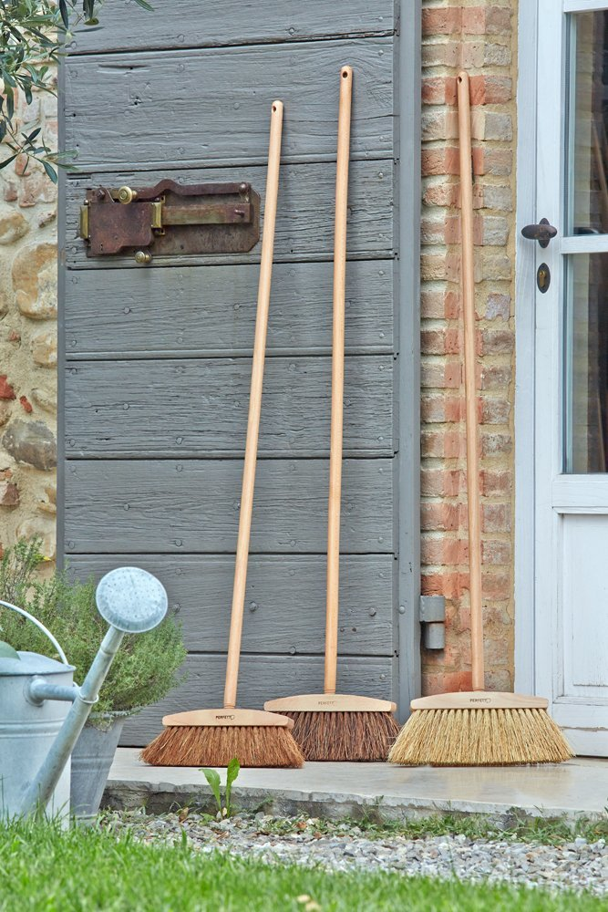 Perfect Eco Sunset Coconut Fibre and Earthenware Wood Broom, Natural, 33x 3.5x 11.5cm