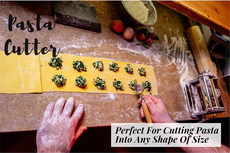 Amazon.com: Ravioli Maker Cutter Stamp Set - Cortador de ...