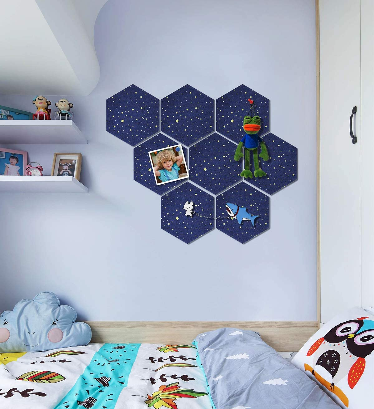 Uoisaiko Felt Hexagon Cork Board with 20 Pins Cork Pin Board Wall Tiles for Photos Memos Pack of 8 Self Adhesive Notice Boards for Home Office Kitchen