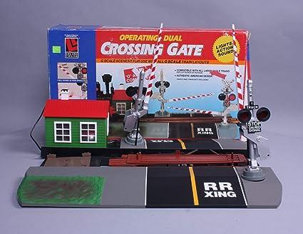 Amazon com: Life-Like Trains Dual Crossing Gate O & O27 Compatible