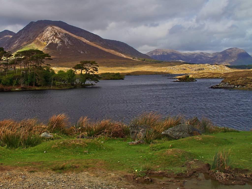 Lais Jigsaw Connemara Ireland landscape lake mountain 2000 pieces