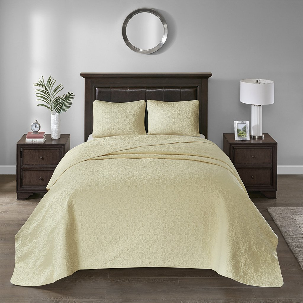 Madison Park Quebec King Size Quilt Bedding Set - Yellow, Damask – 3 Piece Bedding Quilt Coverlets – Ultra Soft Microfiber Bed Quilts Quilted Coverlet