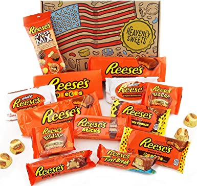 Heavenly Sweets Dulces Reeses Cesta de Chocolate Americano - Chocolates y Mantequilla Mani Favoritos de EEUU - Tazas y Barra - Regalo para Cumpleaños, Navidad - 17 Golosinas, Pack Retro -28x19x4 cm: