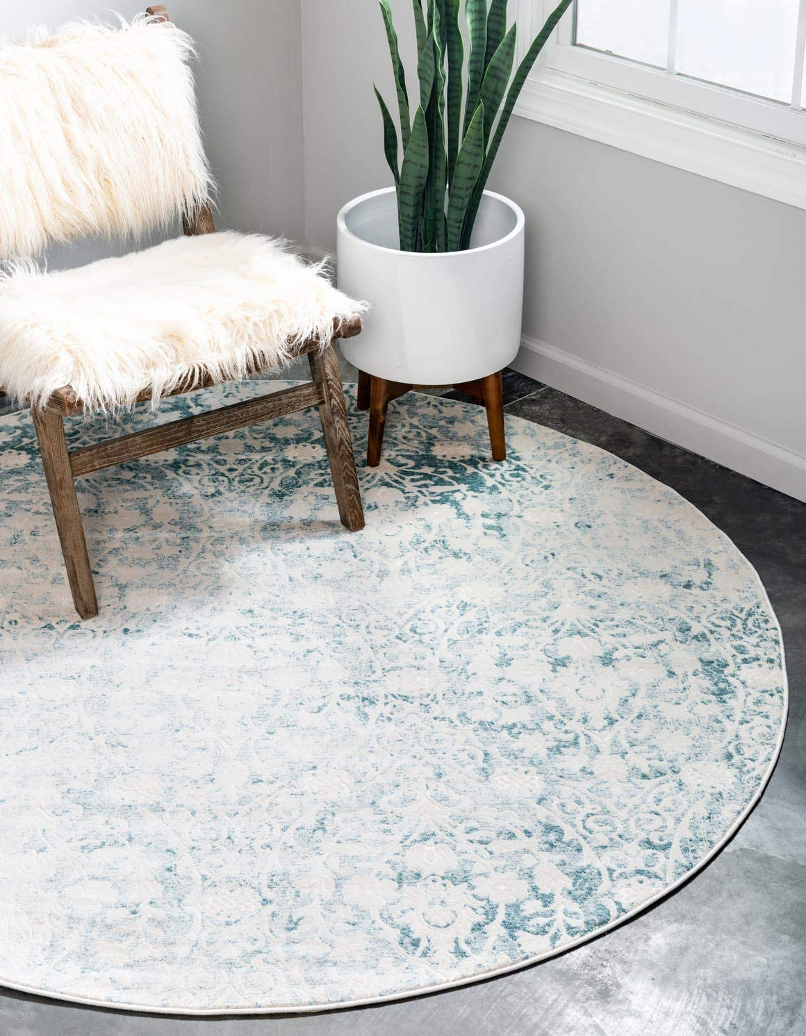 Unique Loom New Classical Collection Traditional Distressed Vintage Classic Light Blue Round Rug 4 0 x 4 0