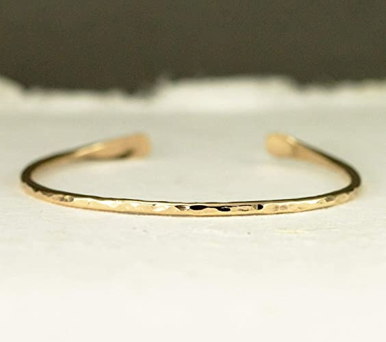 0196e2a215e Image Unavailable. Image not available for. Color: Solid 14k Gold Cuff  Bracelet in Skinny ...