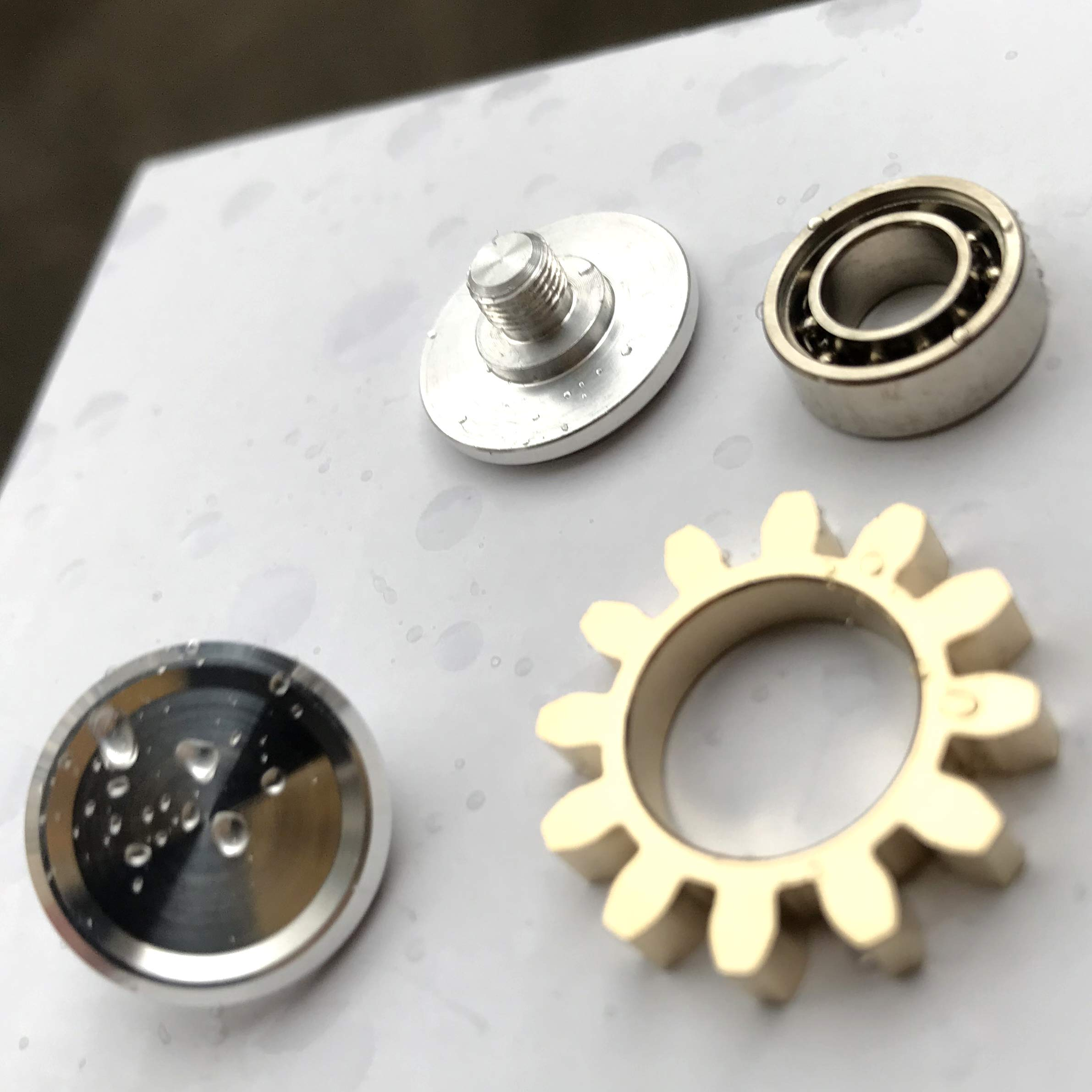 FREELOVE 9 Series Gear Design Pure Copper Brass Fidget Spinner Toy Premium EDC Industrial Mechinery Disassemble R188 Silent Stainless Steel Bearing,3~5 Minutes (1 Series Gear Silver, 1 Series Gear) by FREELOVE (Image #5)