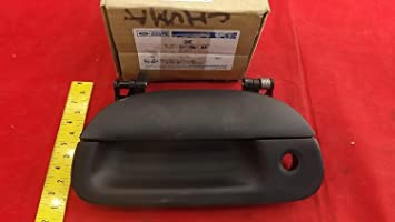 Ford 7L3Z-9943400-AA HANDLE