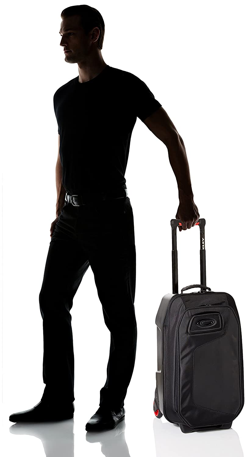 Amazon.com: Oakley Men\'s Motion 45L Roller Bag, Black, One Size ...