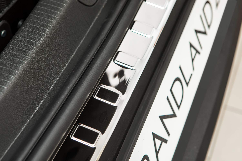 Farbe Edelstahl:Silber gl/änzend teileplus24 L627 Ladekantenschutz aus V2A Edelstahl mit Abkantung