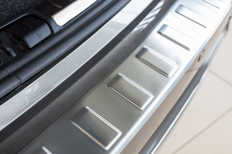 tuning-art L189 Protection de seuil de Coffre de Chargement en Acier Inoxydable avec Profil 3D et Bord Arrondi