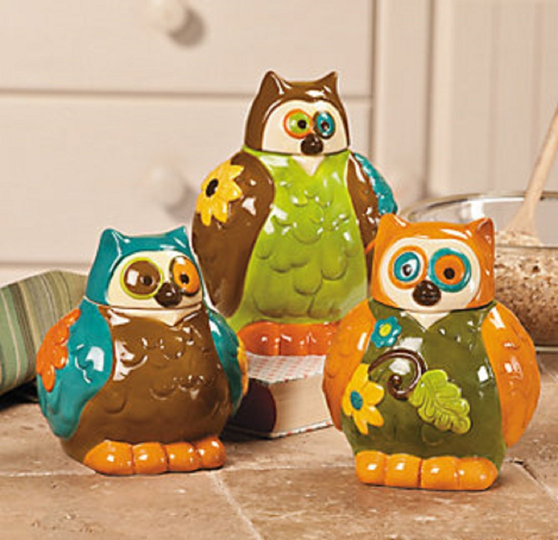 amazon com owl canisters jars kitchen decor set of 3 home amazon com owl canisters jars kitchen decor set of 3 home kitchen