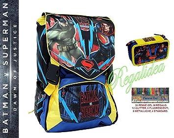 Mochila escolar 2017 Superman vs Batman + Estuche Pieno + incluye 30 bolígrafos