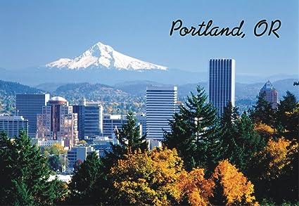 Amazon com: Portland Skyline, Oregon, City and Mountains