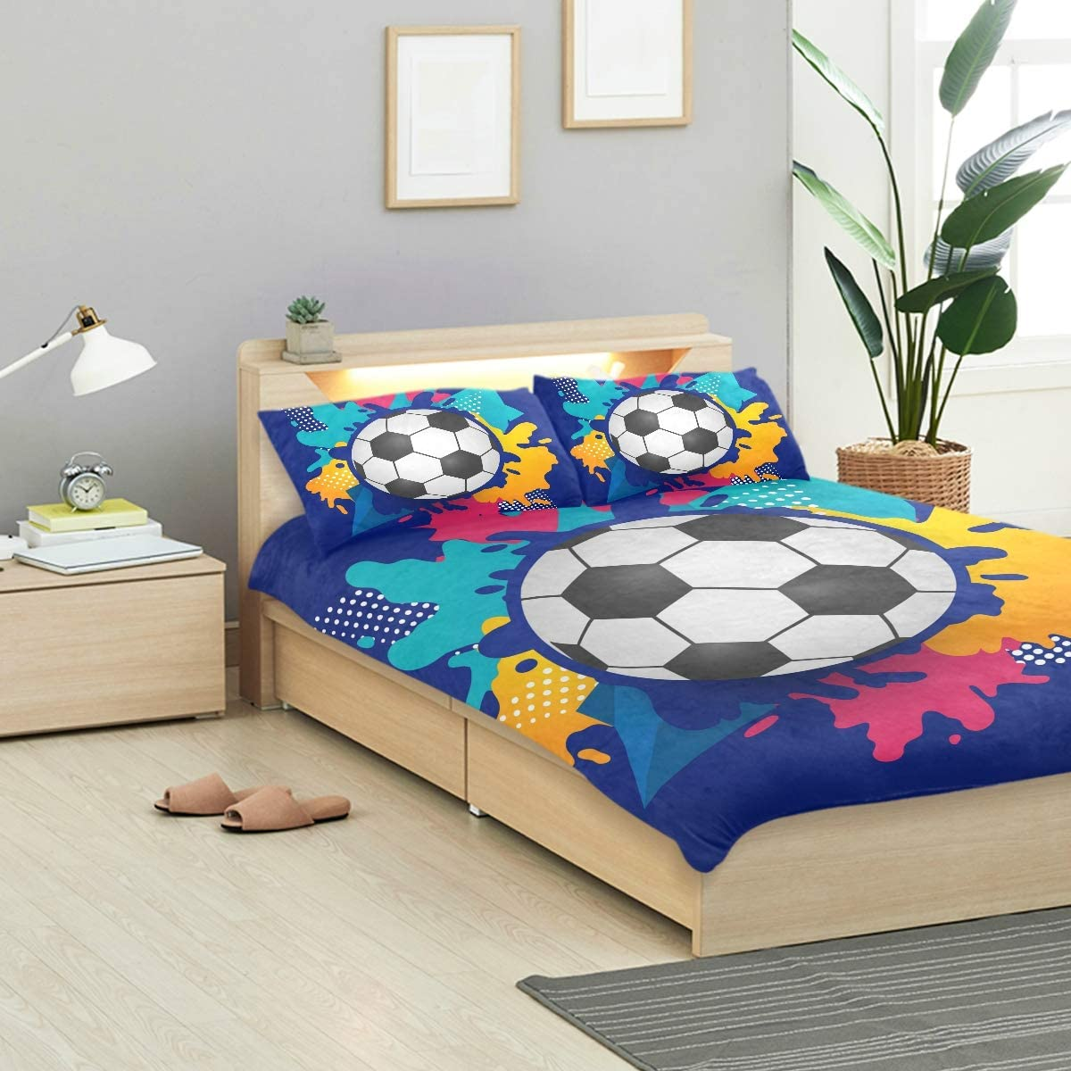 FOLPPLY Soccer Ball 3 Piece Bedding Set Twin Size 66x90in, Decorative Duvet Cover with 2 Pillow Shams for Boys Girls Teens Adults