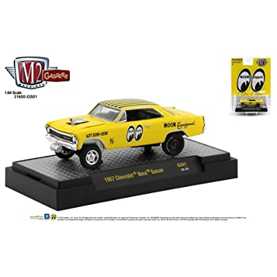M2 Machines Moon Equipped 1:64 1967 Chevrolet Nova Gasser: Toys & Games