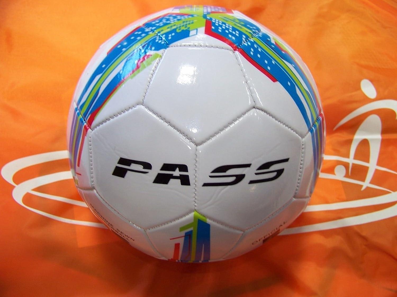 Pass 10 ct – サイズ5、32パネルマシン縫製サッカーボール。公式サイズと重量。 B06XTZ6F3X Blue, Red & Green Blue, Red & Green
