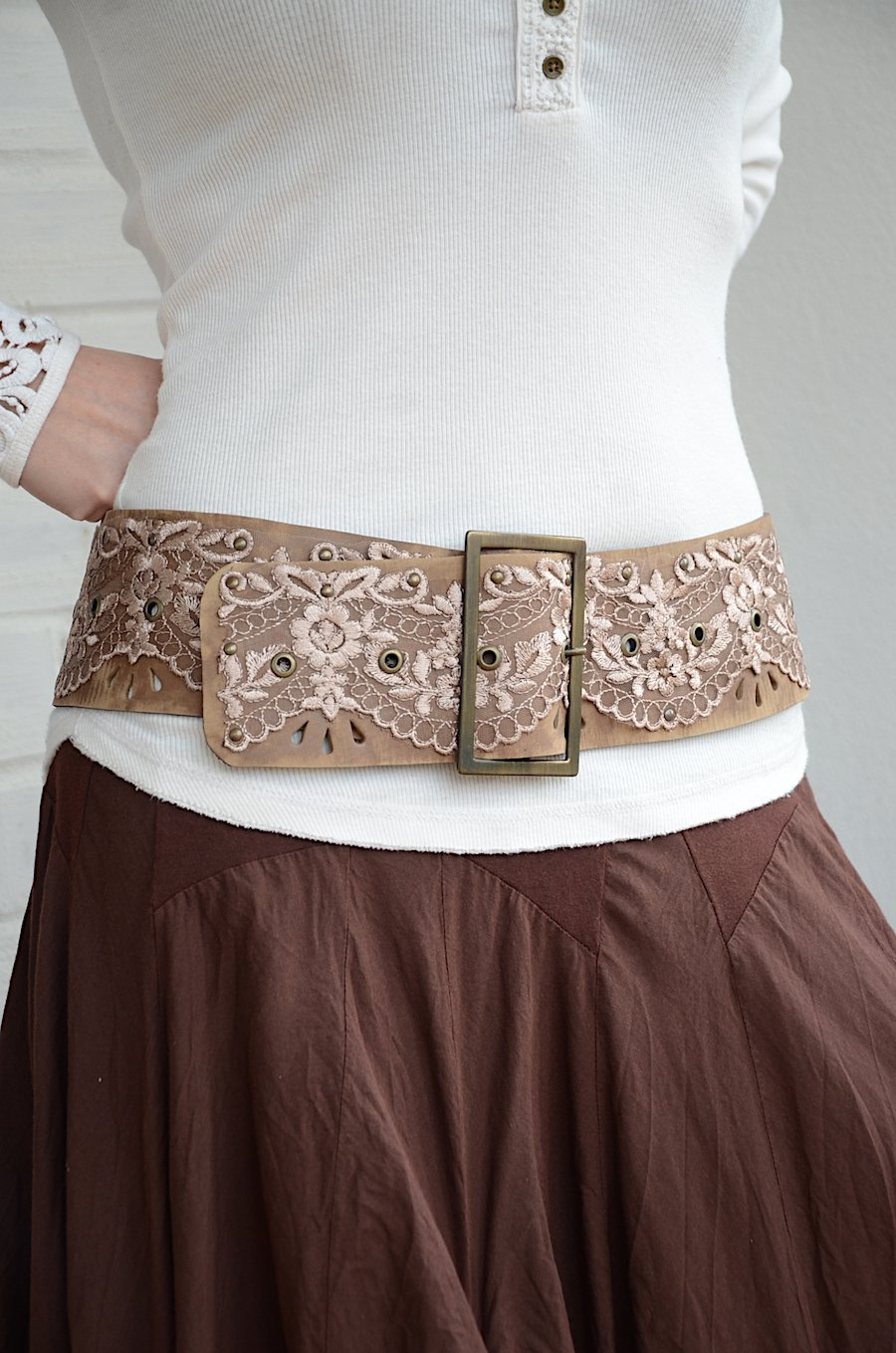 Wide hip brown leather belt for women 3,15'' width