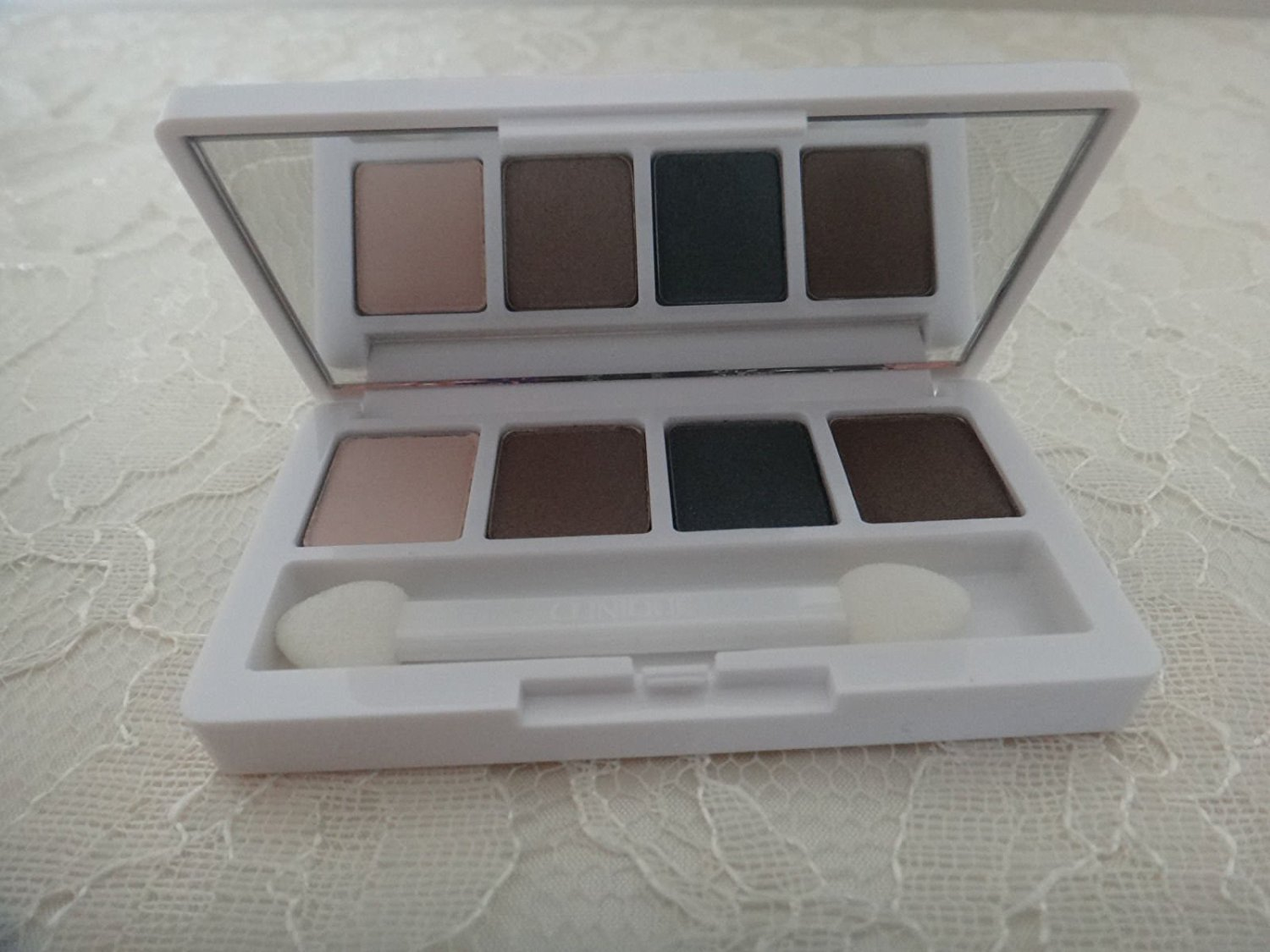 All About Shadow Quad - Jennas Essentials by Clinique #17