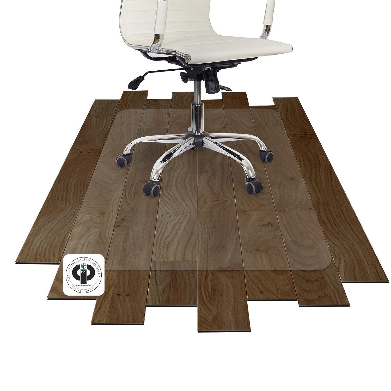 Holzboden In Der Kuche Schutzen Landhaus Kuche Graue Arbeitsplatte