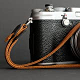 Retrokraft Echtleder Kamera Handschlaufe, cognacfarbe, Wrist Strap für Fuji: X-T1, X-T2, X-T10, X-T20, X-Pro1, X-Pro2, X100, X100T, X100S, X100F, X10, X20, X30, X-E1, X-E2, X-E2S, Leica M Serie etc.