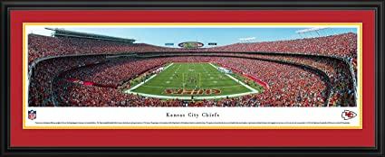 amazon com kansas city chiefs end zone at arrowhead stadium panoramic print sports outdoors kansas city chiefs end zone at arrowhead stadium panoramic print