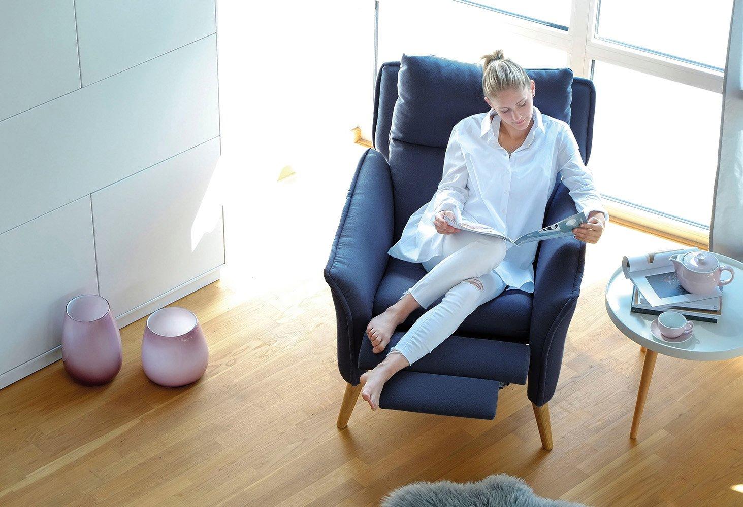 Ohrensessel mit schlaffunktion  Relaxsessel + Hocker als Ohrensessel modern im Retrodesign mit ...