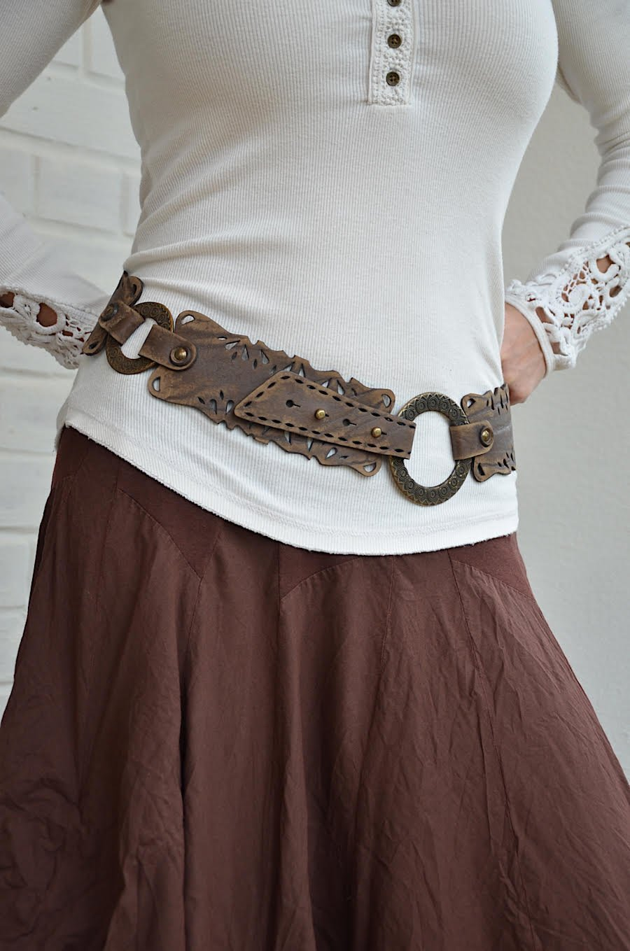 Wide hip brown leather belt for women 2,36'' width