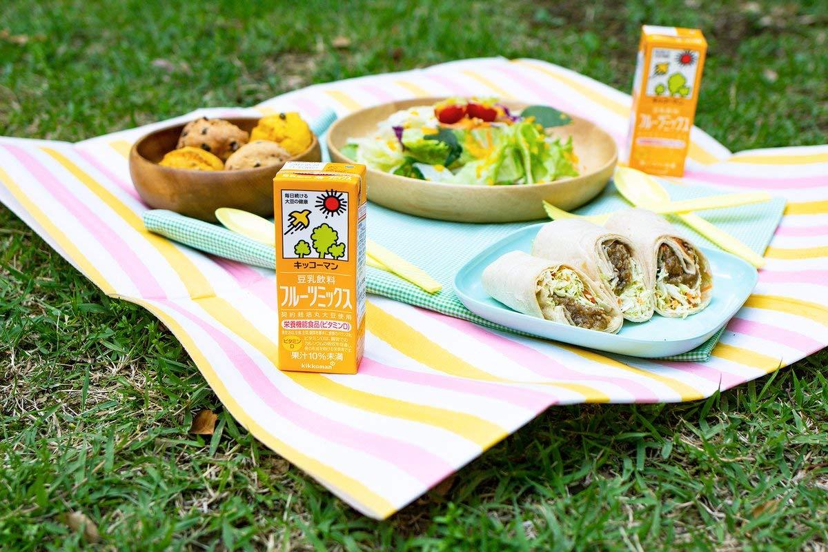 キッコーマン豆乳飲料200mlシリーズのフルーツミックス味とピクニックの画像